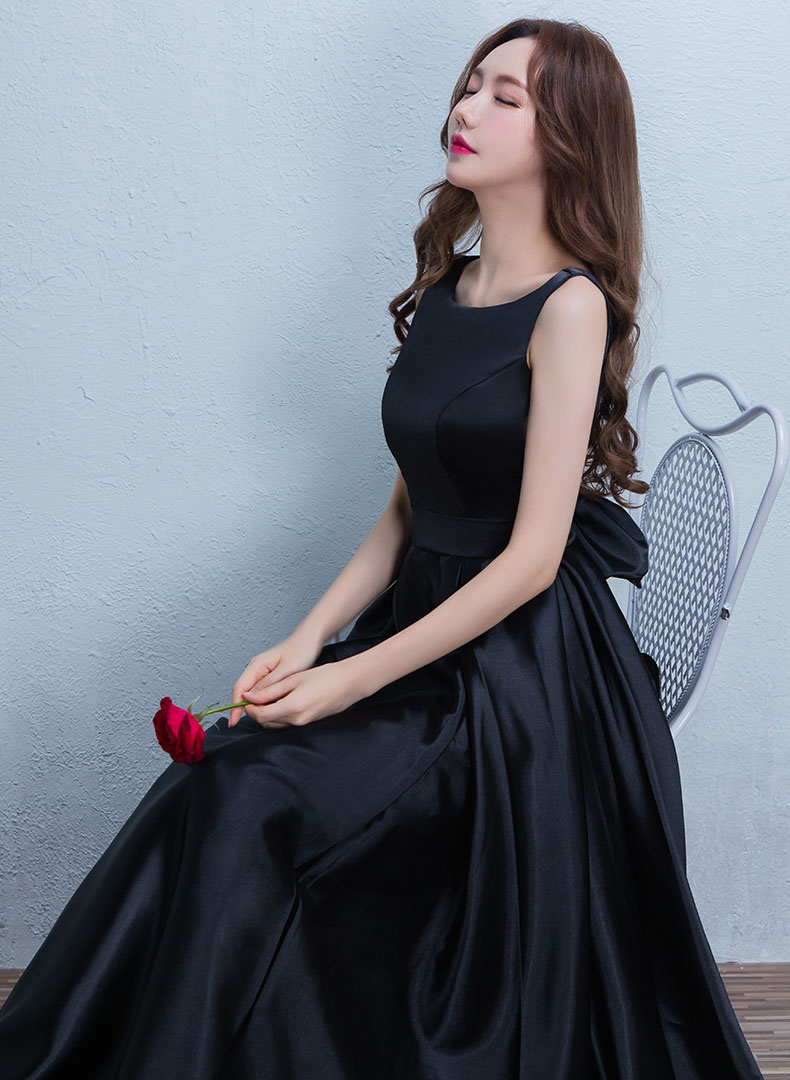 黑色 長 版 風衣