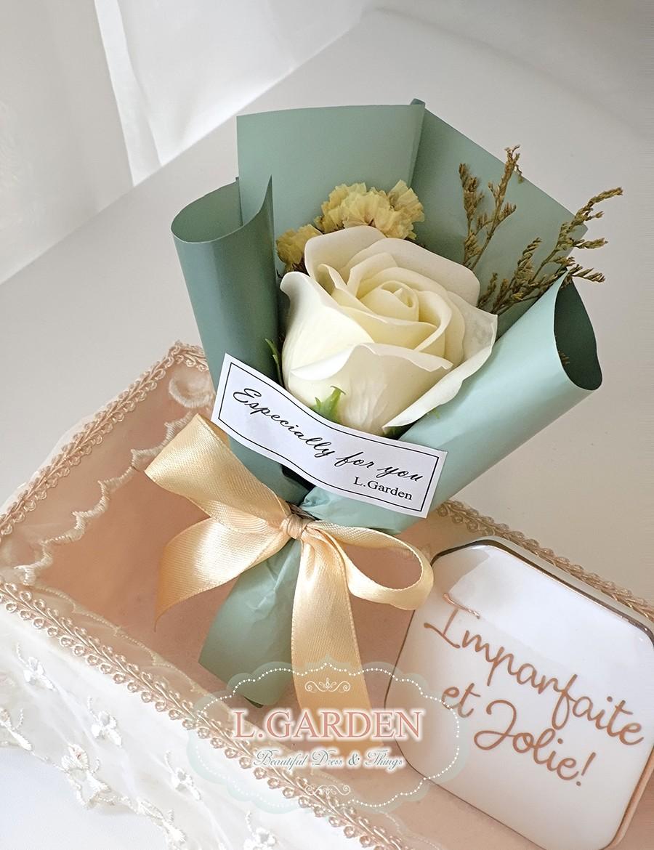bouquet-XS01-G1