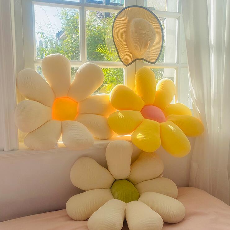 pillow-daisy-1
